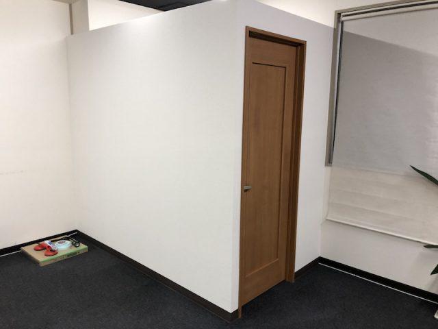 更衣室壁造作 スタジオ
